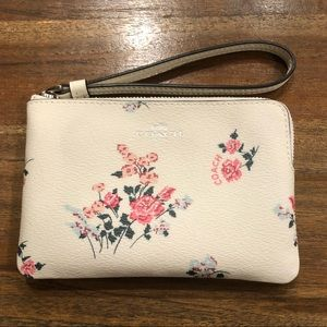 NWT Coach Small Floral Wristlet